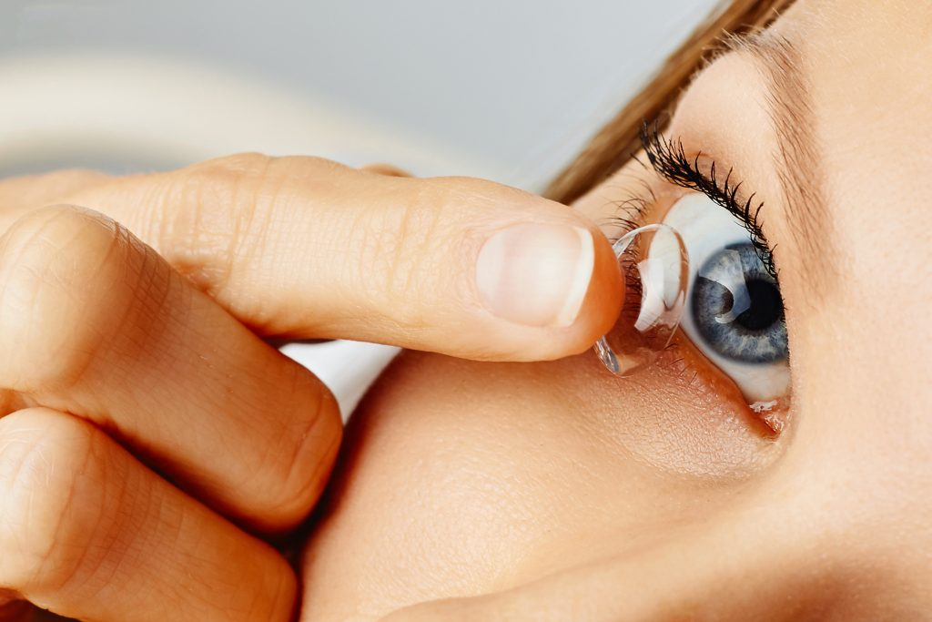 Kontaktlinse Olesia adobe stock